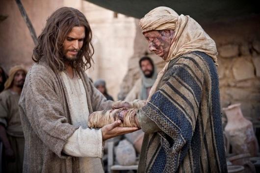 https://bibleteachingnotes.files.wordpress.com/2018/09/jesus-heals-leper.jpg?w=640